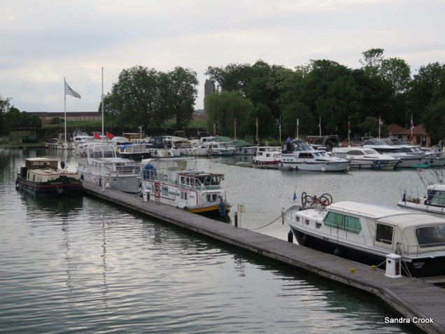 Mooring on the 'forbidden' pontoon