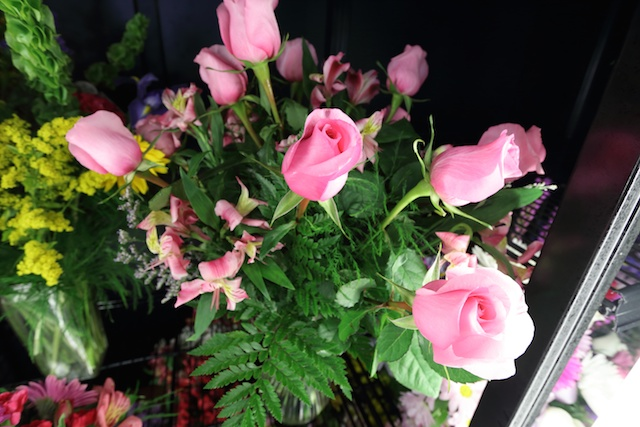Free Roses for Small Business Saturday