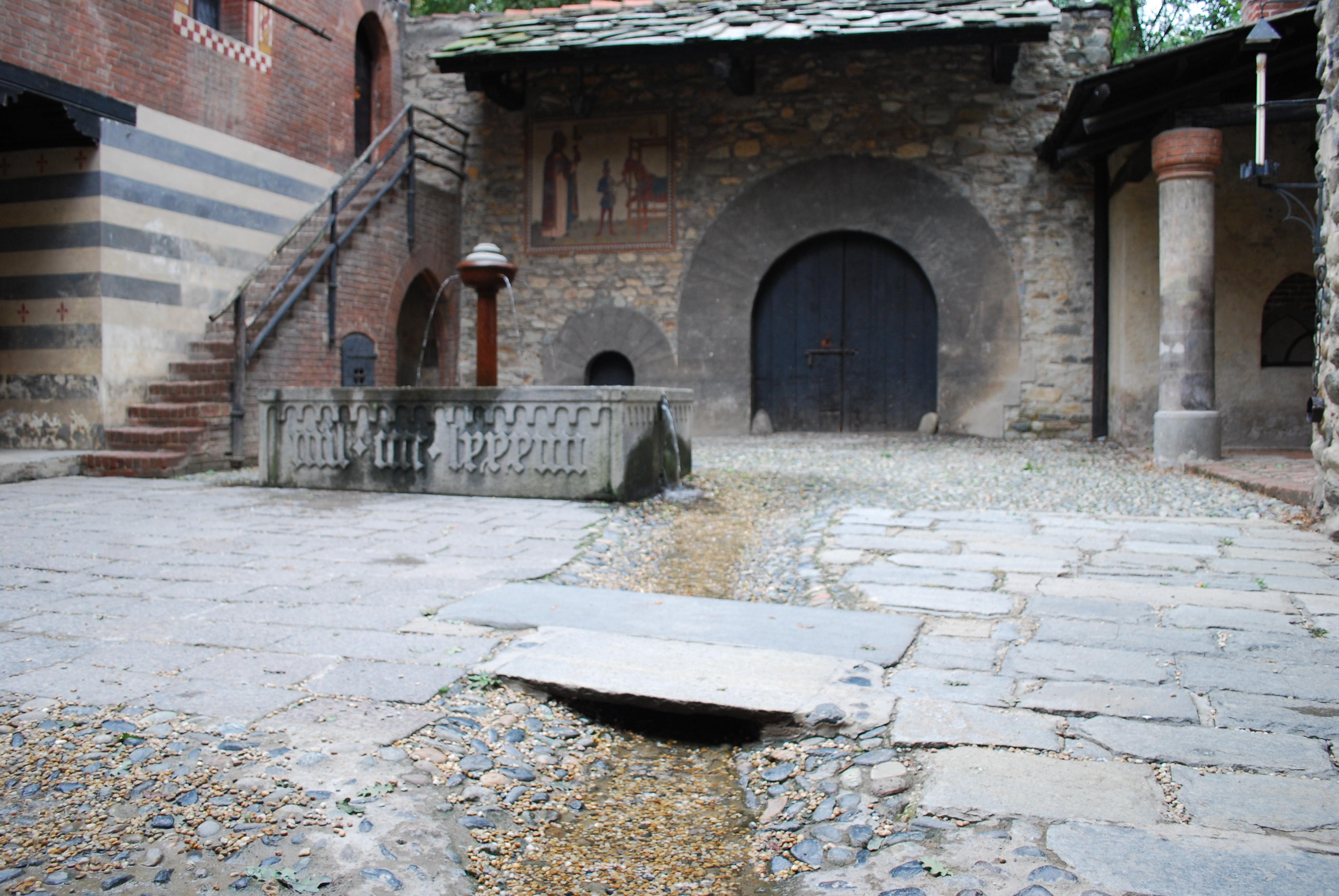 Casa dei Bressani di Mondov  castlesintheworld