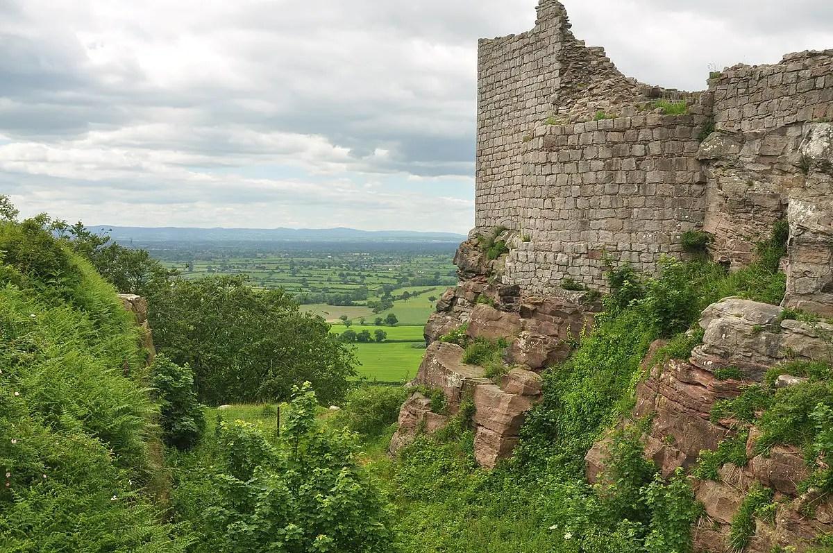 ruins of Beeston Castlle