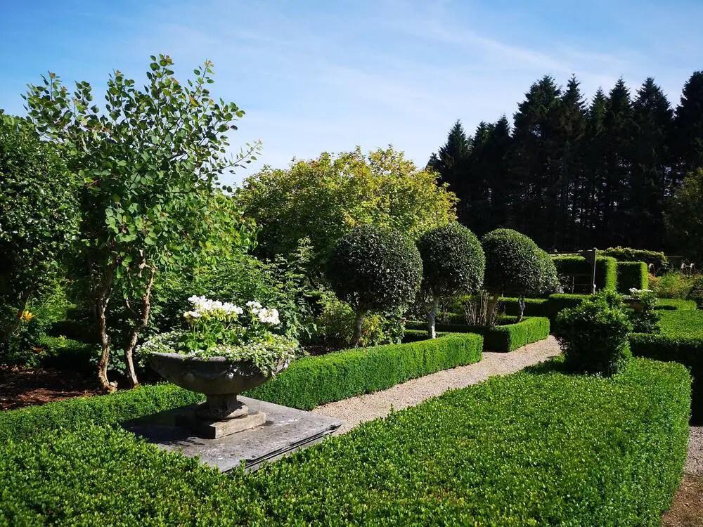Garden at drum castle