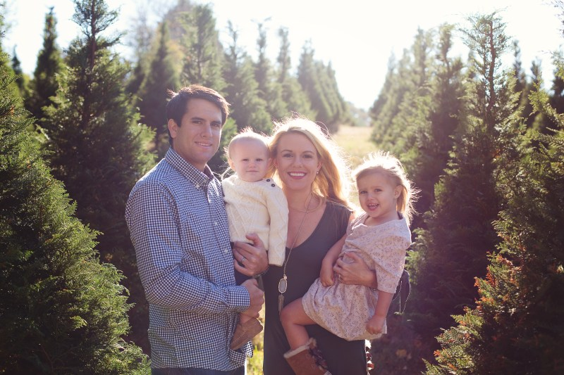perfect family christmas tree farm picture