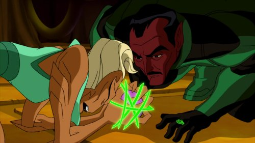 Sinestro-Giving Labella Her Own Personal Lashing!