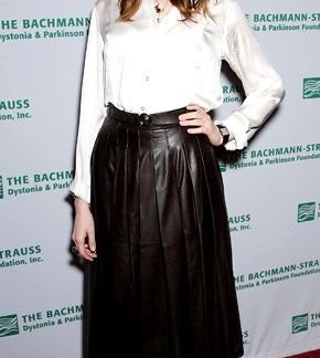 Pleated Skirt of Anne Hathaway