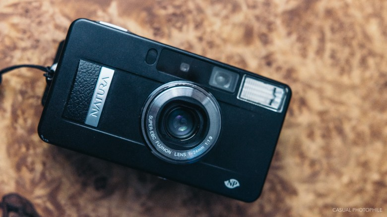 fujifilm natura black f1.9 product photos-10