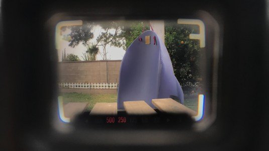 Through the viewfinder of the Nikonos V, showing frame lines and LEDs.