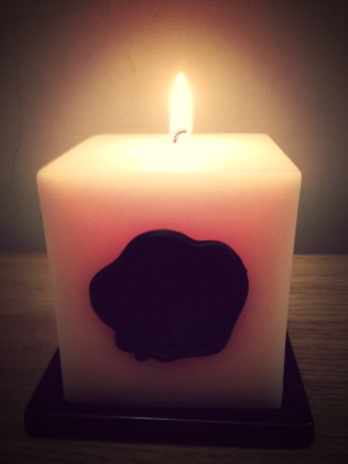 Flowerbomb candle let