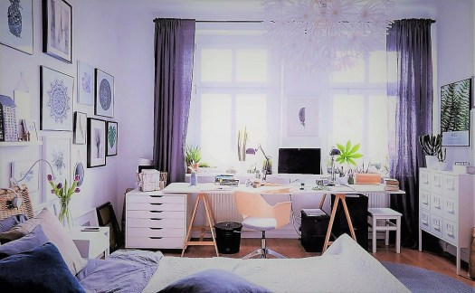 Birou în dormitor