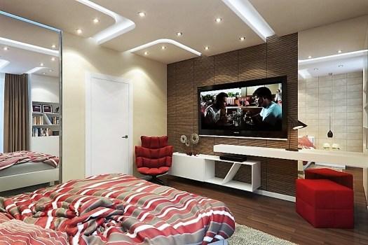 televizor și oglinzi în dormitor