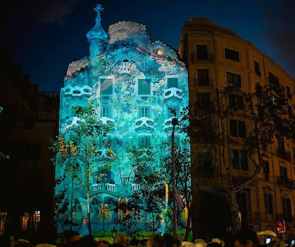 La Casa Batll la nuit  Blog de la Catalogne en Franais