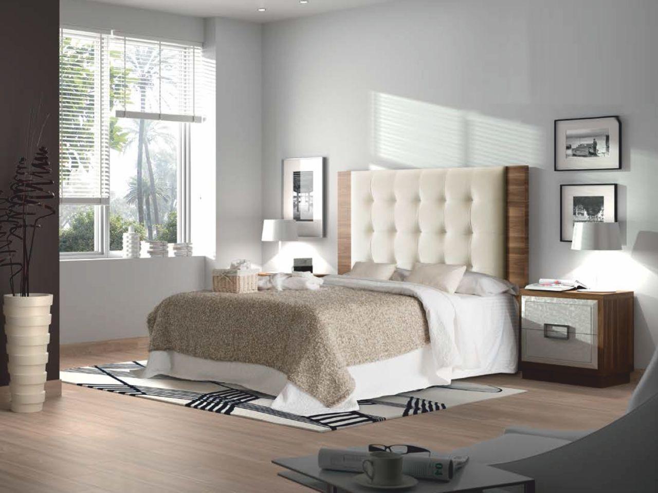 Dormitorio matrimonio nogal natural y Frentes en lacados