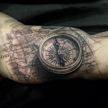 Tatuajes De Relojes Y Brujulas De Arena Antiguos En El Brazo