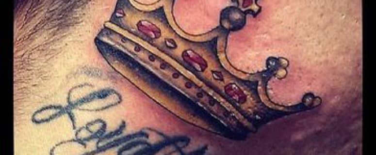 Notorios Y Originales Tatuajes De Coronas En El Cuello