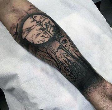 Definidos Y Originales Tatuajes De Luna Para Hombres