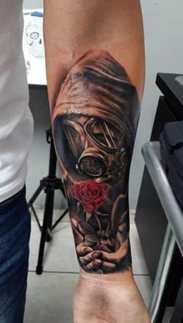 Simbolicos Y Tradicionales Tatuajes De Rosas Para Hombre