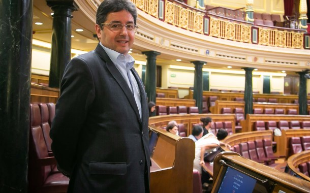 إسبانيا تدرس منح حق التصويت في الإنتخابات البلدية للأجانب.