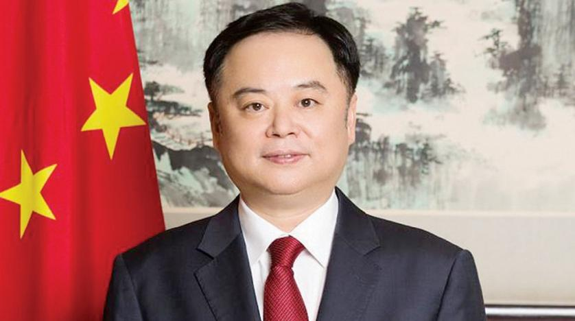 الصين تتفوق على أمريكا نحن في يد الله ما بين الصينيين والأمريكيين.