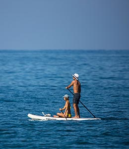 couple en stand up paddle