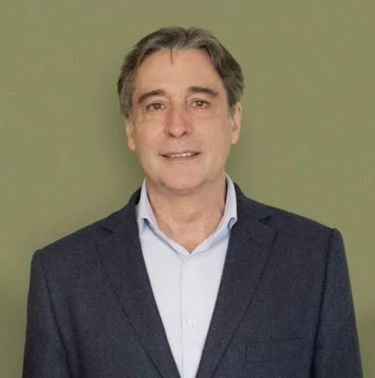 Ruben Marti, Educacion Privada