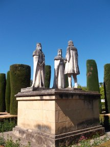Statue of Ferdinand and Isabella with Christopher Columbus (© Catherine Cronin)