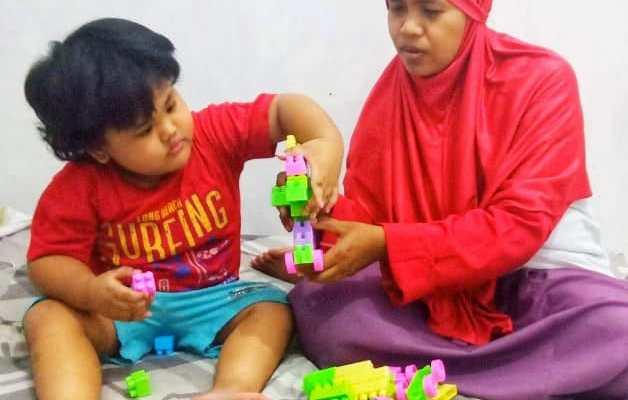stimulasi anak cerdas kreatif