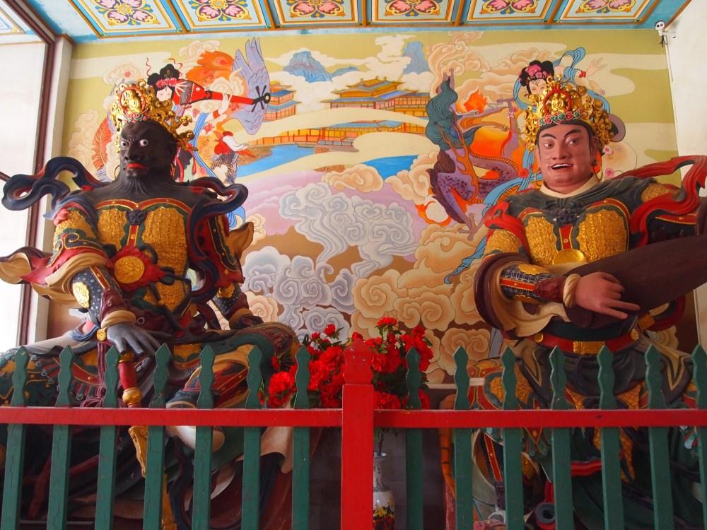 exploring qiongzhu si, the bamboo temple, in kunming & flying onward to lijiang (6/6)