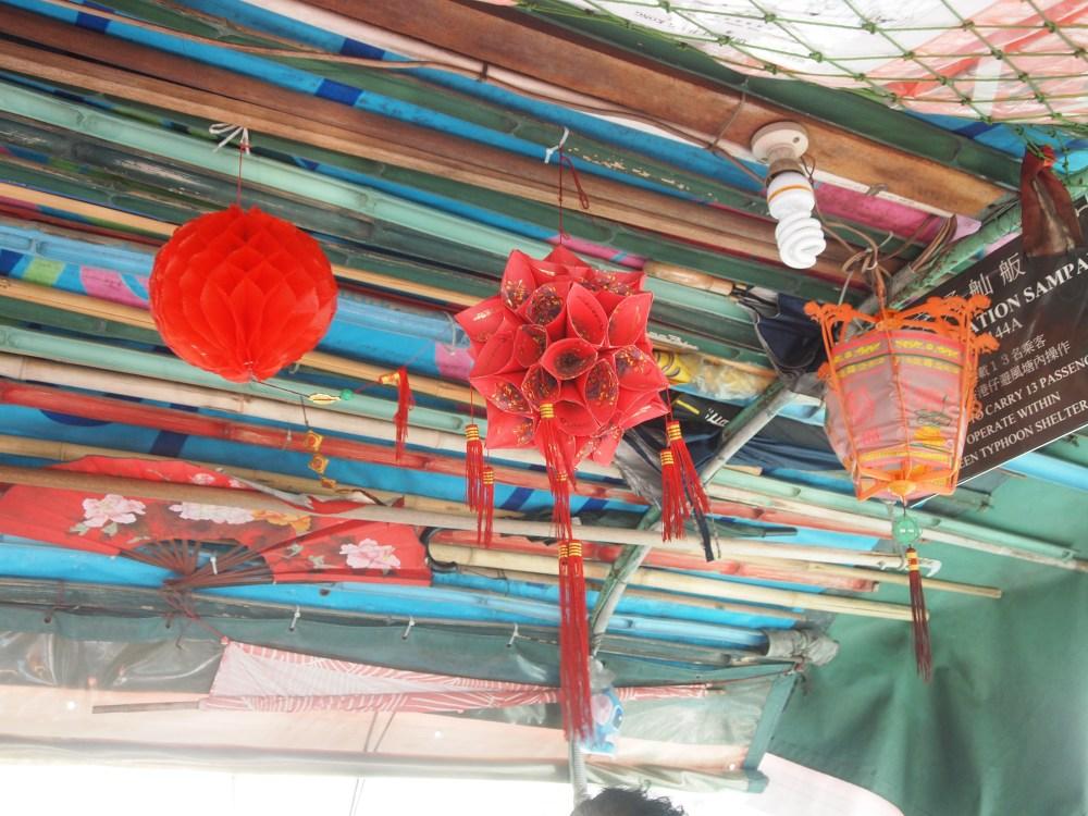 a sampan ride in aberdeen's harbour (2/6)
