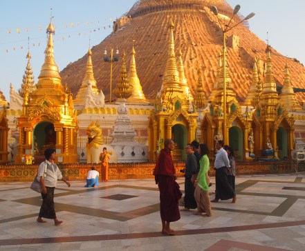 pilgrims at Shwedagon Pagoda