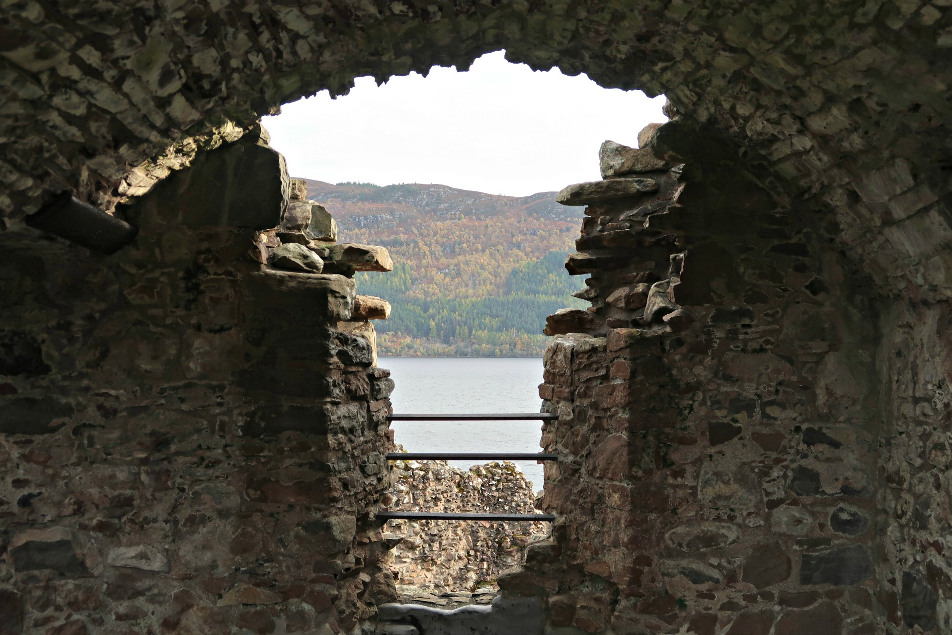 archway urquhart castle
