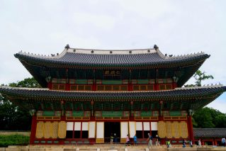 Event Hall at Changgyeonggung Palace : Photo by @catchingcarla