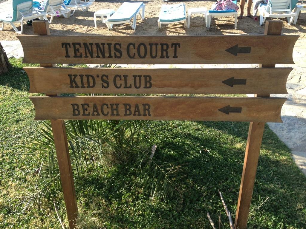Neilson beach club – Adakoy