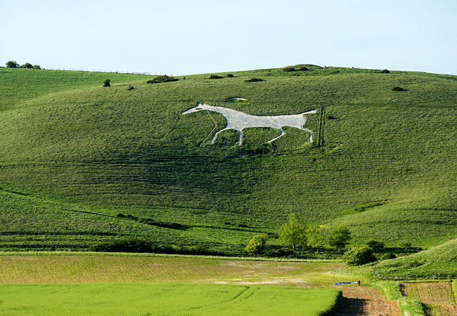 The Alton Barnes White Horse. Image Source: Flickr