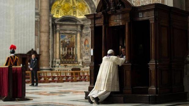 Papa Francisco Confesión