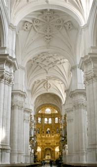 CAPILLA MAYOR DESDE LOS PIES DEL TEMPLO «Brille vuestra luz ante los hombres» (Mt 5,16)