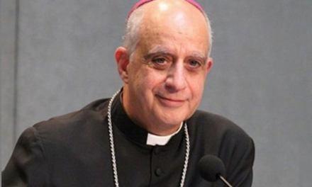 Conferencia de Rino Fisichela sobre los desafíos de la Evangelización