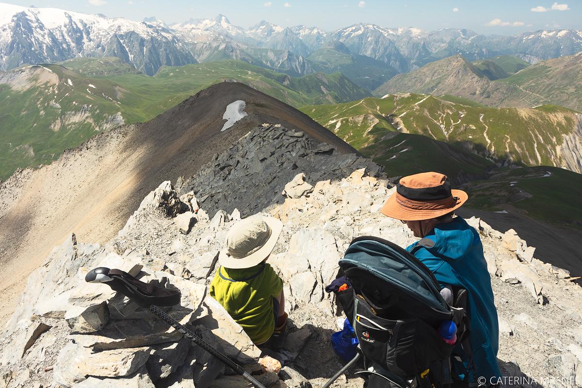 Alpinzelten mit Kind in den französischen Alpen