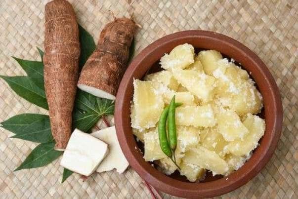 Manioca-Ricette-e-9-importanti-proprietà-medicinali-proprieta-per-la-pelle