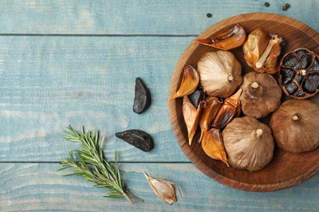 Come fare l'Aglio nero fermentato Proprietà benefici 5 ricette
