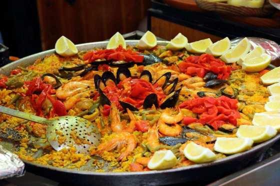festa-spagnola-paella