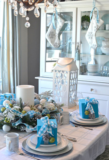 Impressive and Beautiful Christmas Table Settings