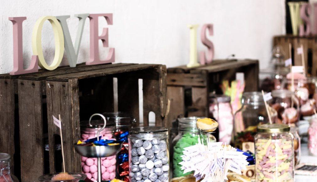 Candy Bar LOVE IS SWEET nach dem Dinner.