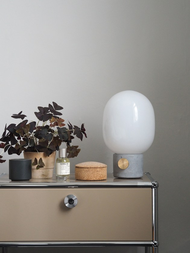 Smart Bedside Table: The Modern, Functional Bedroom: A Smart Bedside Table By