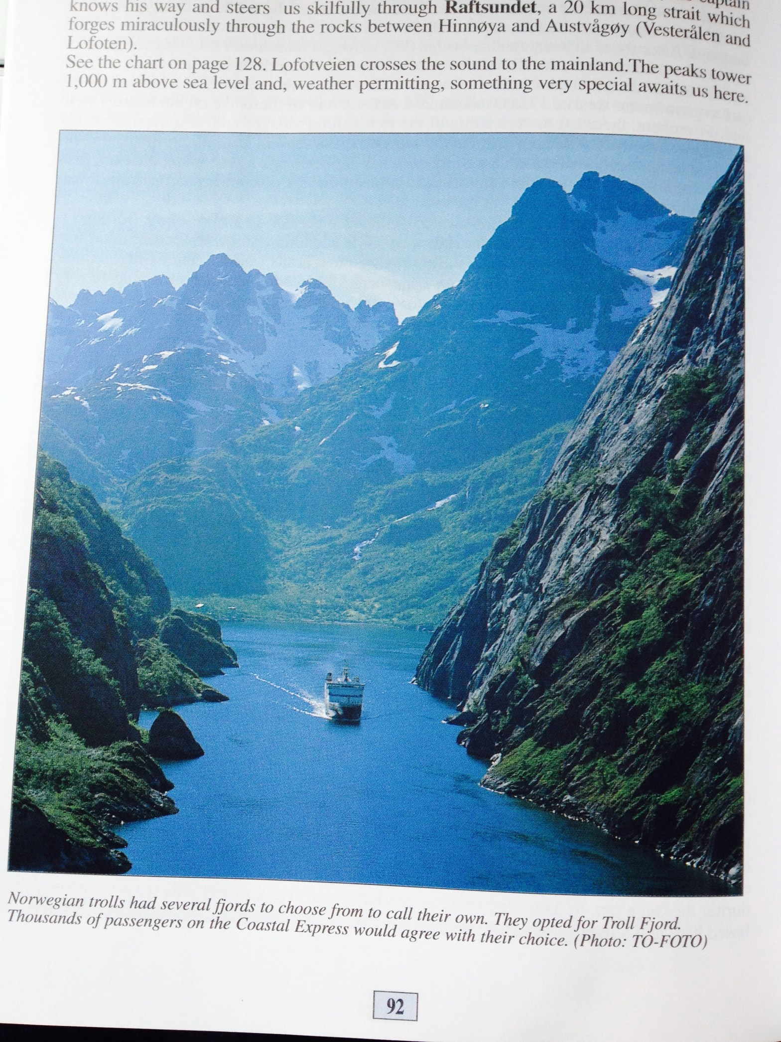 Brochure of the Arctic Circle