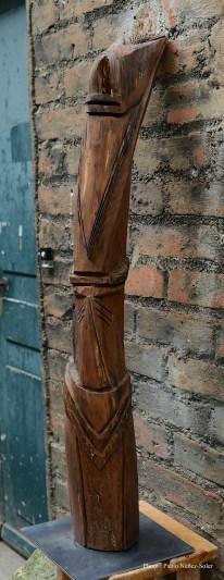 Bois : Noyer - Dimensions : 1,17 x 63 cm - Année : 2017