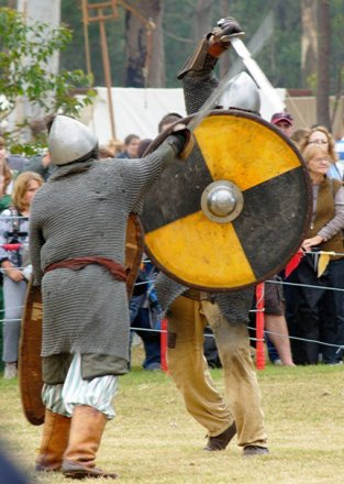 34580_1461350127331_7777438_n abbey medieval festival Abbey Medieval Festival 2010 34580 1461350127331 7777438 n