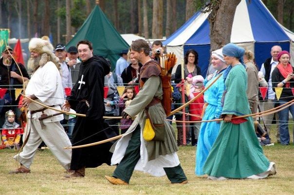 34650_1461350567342_5257663_n abbey medieval festival Abbey Medieval Festival 2010 34650 1461350567342 5257663 n