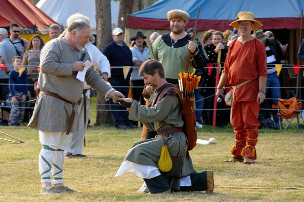 36873_1461350767347_4722267_n abbey medieval festival Abbey Medieval Festival 2010 36873 1461350767347 4722267 n