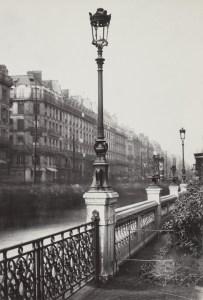 Lampadaire_Paris_Charles_Marville_Arts_et_Metiers_ancien_modèle_1878-731x1080
