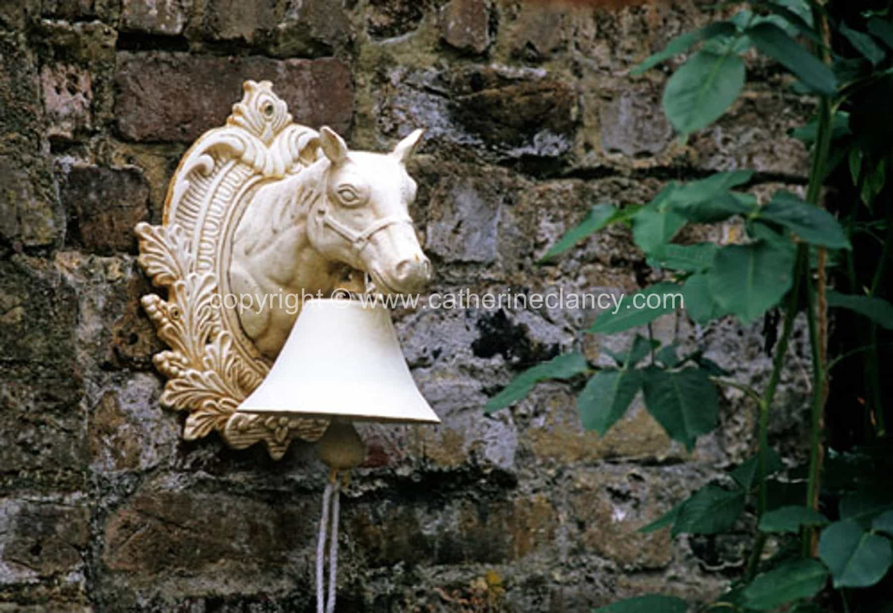 blackheath-walled-garden-horsebell