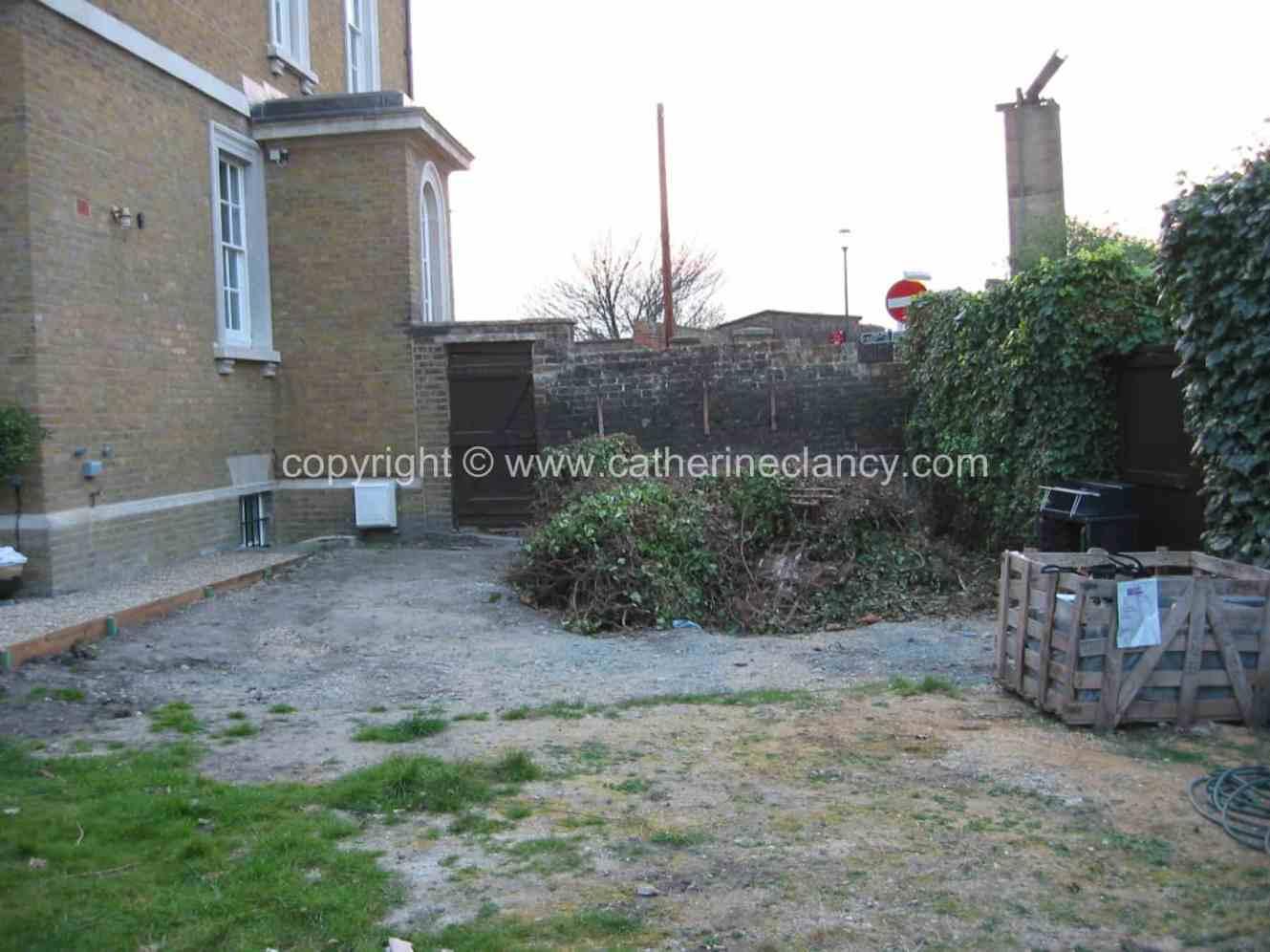 historic-riverside-garden-14